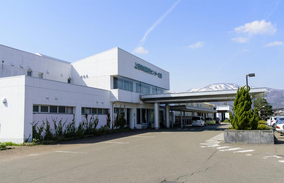 上越地域医療センター病院 約2,500m(車4分)
