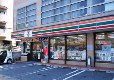 セブンイレブン八幡中央町店 約185m(徒歩3分)