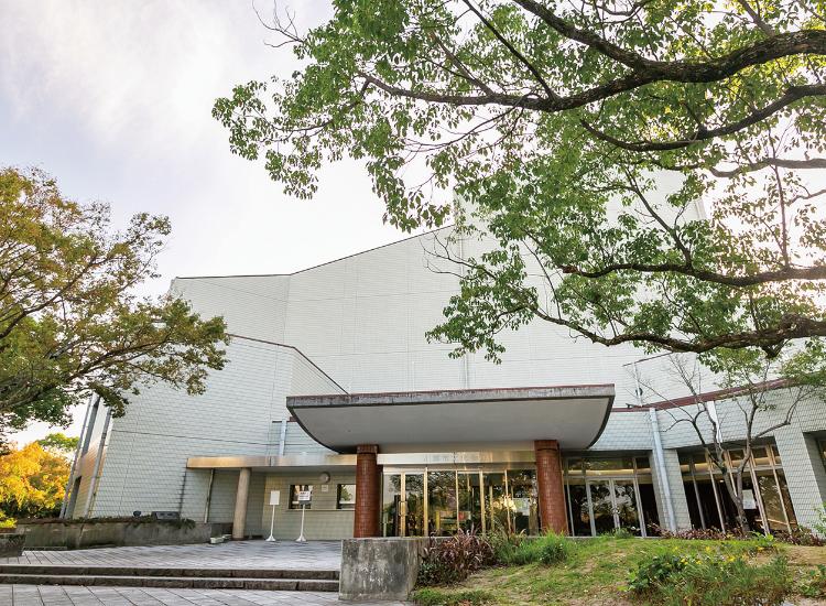 小郡市文化会館 約1,200m(徒歩15分)