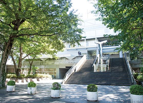 武蔵野総合体育館 約730m(徒歩10分)