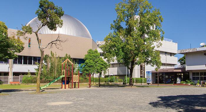 児童文化科学館(桃園公園内) 約370m(徒歩5分)