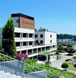 神戸女子大学 約1,320m(徒歩17分)
