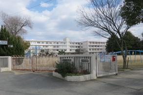 水上幼稚園・小学校 約620m(徒歩8分)