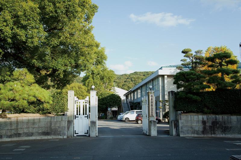 岡山県立岡山朝日高等学校 約220m(徒歩3分)