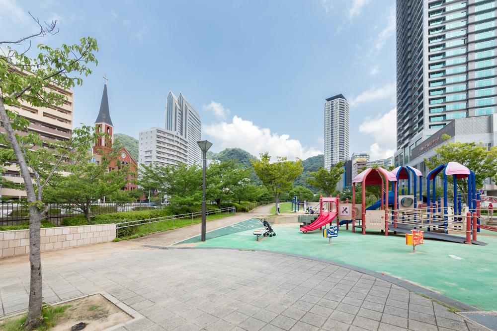 神戸三宮センター街 約1,270m(徒歩16分)