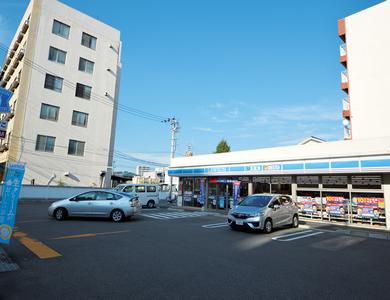 ローソン松山築山店 約440m(徒歩6分)