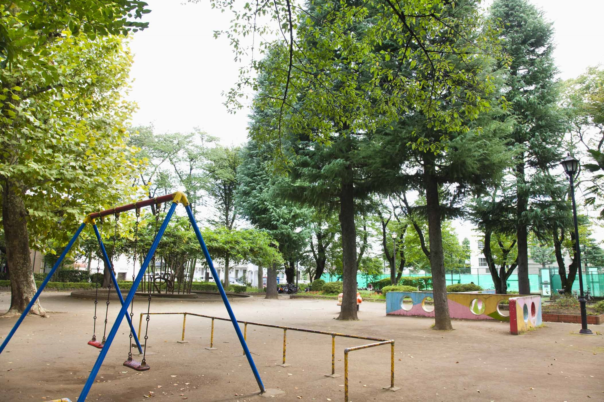 谷保第三公園 約140m(徒歩2分)