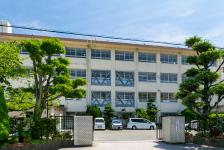 城西中学校 約120m(徒歩2分)