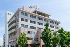 福岡記念病院 約1,060m(徒歩14分)