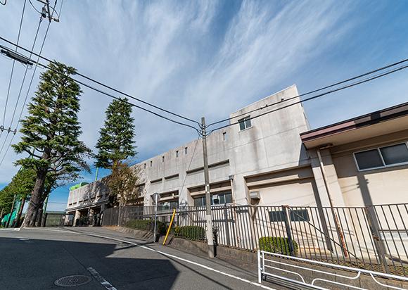 横浜市立田奈中学校 約860m(徒歩11分)