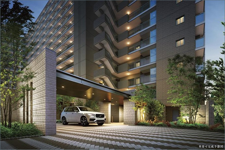 格式あるホテルのようにフォーマルな印象で迎える車寄せ。