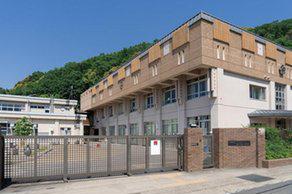 宝ヶ池公園 約590m(徒歩8分)