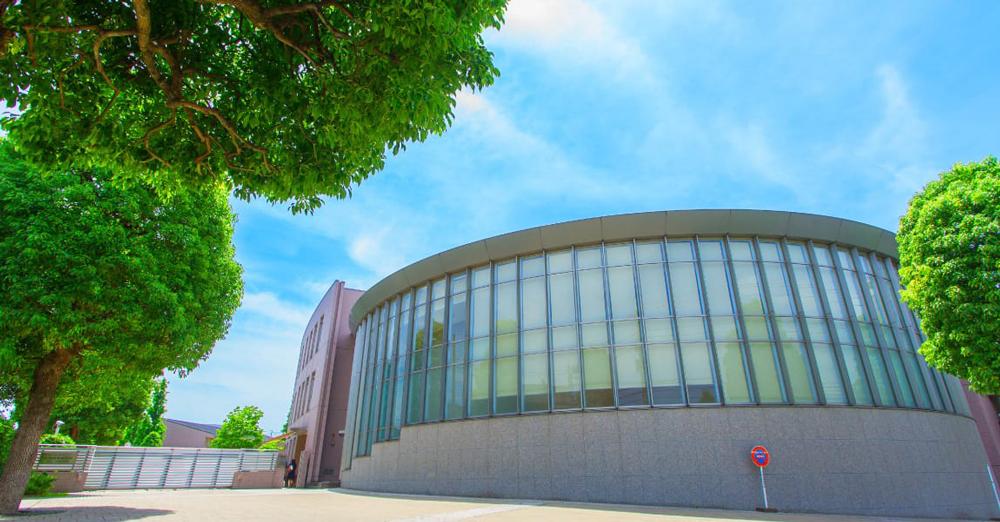 東京経済大学 EAST:約1,420m(徒歩18分) WEST:約1,260m(徒歩16分)