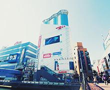 ビックカメラ横浜西口店 約780m(徒歩10分)
