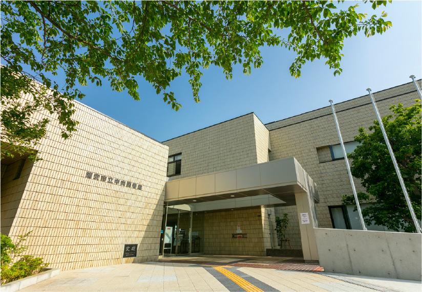 浦安中央図書館 約1,960m(徒歩25分)