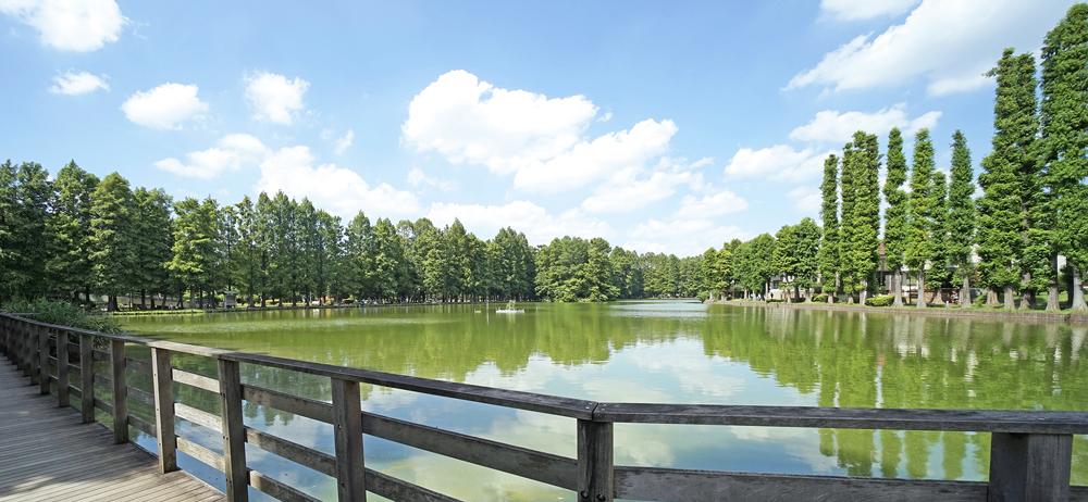別所沼公園 約1,200m(徒歩15分)