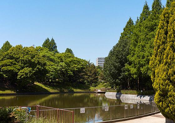 佐竹公園 約710m(徒歩9分)