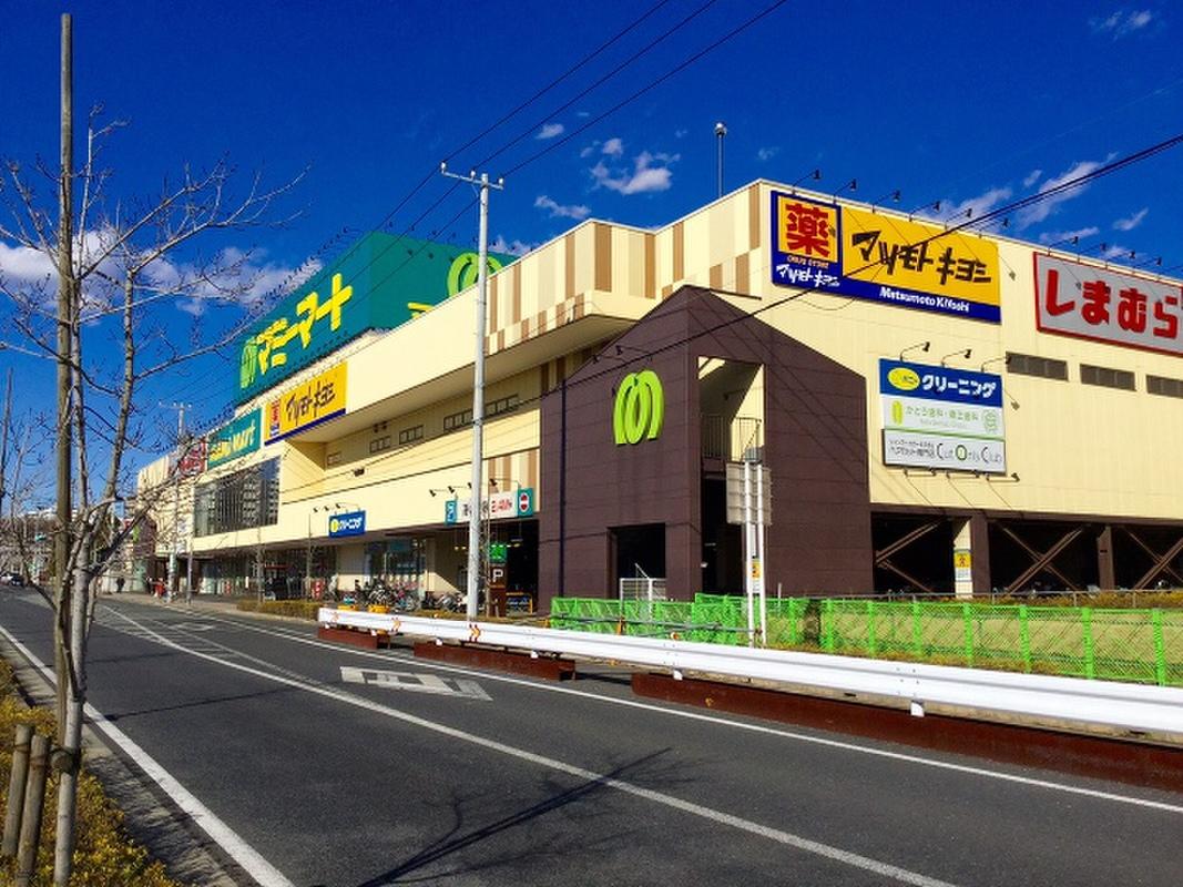 駅前の買い物施設