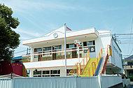 梅島幼稚園 約750m(徒歩10分)