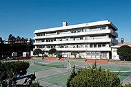 藤の木中学校 約720m(徒歩9分)