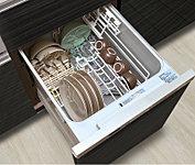 食器洗いが簡単で美しく仕上がる上、衛生的で節水効果のあるコンパクトタイプの食器洗い乾燥機を標準装備しました。低騒音・省エネを実現。