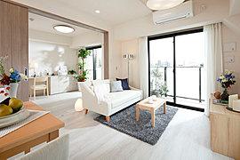 リビングダイニングと隣り合う洋室をつなげてご利用頂くと、広々とした空間を感じられます。