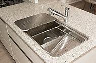 段取り良く調理の下ごしらえをしやすいシンク。作業エリアを効率的に使用できます。