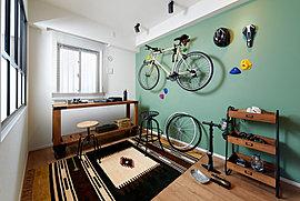 【ご家族の成長に合わせて、フレキシブルにご活用いただけるプライベートスペース】子供部屋などのプライベートスペースとして、また趣味の部屋や書斎、収納スペースなどの使い方は自由で多彩。