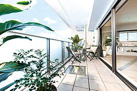 たっぷりと降り注ぐ陽光や窓外に広がる豊かな眺望とともに、家族に優しい快適な空間にくつろぐ日々が叶います。