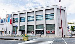 三菱UFJ銀行桑名支店 約270m(徒歩4分)