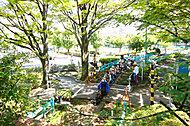 新宿交通公園 約200m(徒歩3分)