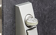 サムターン回しによる不正解錠を防ぐサムターン回し防止機能