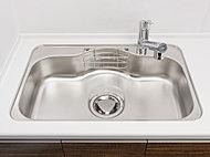 大型の調理用具も洗える大きめのシンクを採用。低騒音仕様で、水音や食器等を落とした音も軽減します。