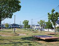 栄町公園 約240m(徒歩3分)