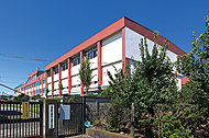 市立本町小学校 約450m(徒歩6分)