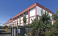 市立本町小学校 約550m(徒歩7分)