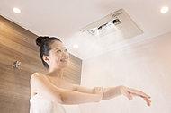 体が心から温まり、温かさが持続するミストサウナ。発汗量が多いので短時間で入浴効果を実感できます。またメイク落としもラクラクです。