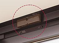 玄関ドア及び窓に、マグネット式の防犯・窓センサーを設置しました。(FIXを除く)