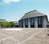 松江市総合文化センター(プラバホール・中央図書館) 約280m(徒歩4分)
