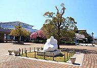 藤沢市民会館 約60m(徒歩1分)