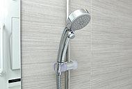 水の勢いや量感は落とさず「浴び心地」と「節水」を両立させたシャワーです。