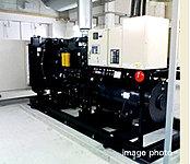 マンション内に自家発電装置を設置。約2,900リットルの燃料タンクを装備することにより、下記の機能を約72時間稼働できる発電容量を確保。