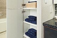 タオルや衣類・買い置き品などの収納に便利なリネン庫を設置しています。(一部除く)