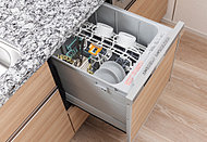 食器の出し入れがしやすいスライドオープンタイプ。手洗いに比べ節水・省エネを実現。後片付けの時間も短縮します。