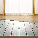 リビングダイニングは、足元から部屋全体を効率よく暖めます。