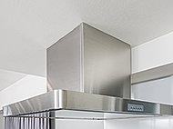 コンロ前の壁をなくすことによって、より一層リビング・ダイニングとキッチンのつながりを持たせ、開放感を高めています。