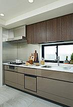 ※写真はザ・ロアハウス吉祥寺インフォメーションサロンA1タイプ再現スペースを撮影(2018年6月)したものです。家具・調度品等は販売価格に含まれておりません。また、仕様は一部有償オプションを含んでおります。