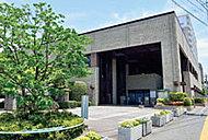 熊本市立図書館 約670m(徒歩9分)
