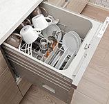 家事時間を短縮し、便利なだけでなく節水も叶える食器洗浄乾燥機。乾燥時の排気温度を下げるソフト排気モードを採用しています。