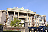 越谷市立 北中学校 約640m(徒歩8分)